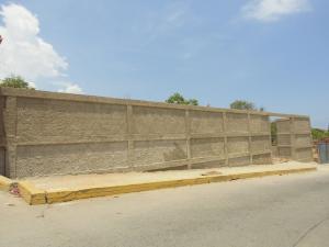 Terreno En Ventaen Parroquia Caraballeda, Caribe, Venezuela, VE RAH: 16-17715
