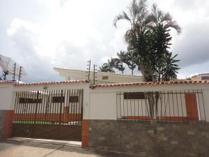 Casa En Venta En Valencia, Lomas Del Este, Venezuela, VE RAH: 16-18633