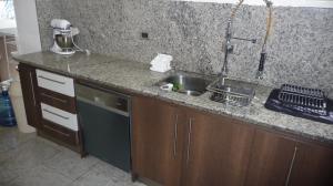 Apartamento En Venta En Caracas - Cumbres de Curumo Código FLEX: 16-17736 No.8