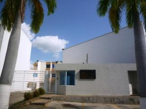 Casa En Venta En Charallave, Santa Rosa De Charallave, Venezuela, VE RAH: 16-17749