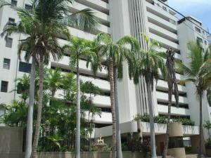 Apartamento En Venta En Parroquia Caraballeda, Tanaguarena, Venezuela, VE RAH: 16-17764