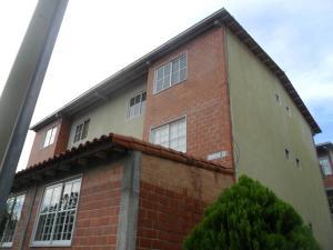 Apartamento En Venta En Guatire, Valle Grande, Venezuela, VE RAH: 16-17765