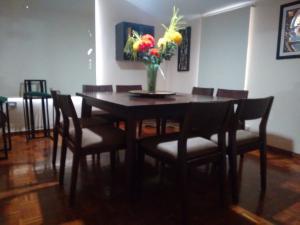 Casa En Venta En Maracaibo, Rosal Sur, Venezuela, VE RAH: 16-17766