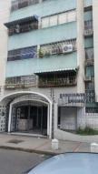 Apartamento En Venta En Maracay, El Centro, Venezuela, VE RAH: 16-17775