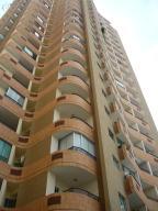 Apartamento En Alquiler En Valencia, Las Chimeneas, Venezuela, VE RAH: 16-17787
