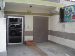 Local Comercial En Alquiler En Valencia, Los Colorados, Venezuela, VE RAH: 16-18014