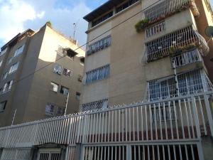 Apartamento En Venta En Caracas, San Bernardino, Venezuela, VE RAH: 16-17793