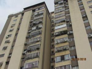 Apartamento En Alquiler En Valencia, Valles De Camoruco, Venezuela, VE RAH: 16-17821