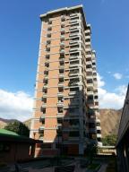 Apartamento En Venta En Maracay, Las Delicias, Venezuela, VE RAH: 16-17824