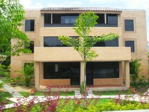 Apartamento En Venta En Rio Chico, Los Canales De Rio Chico, Venezuela, VE RAH: 16-17830