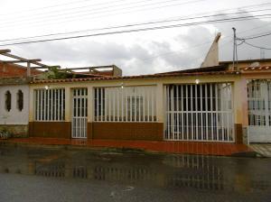 Casa En Venta En Maracay, Villas Antillanas, Venezuela, VE RAH: 16-17841