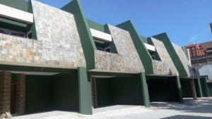 Townhouse En Venta En Valencia, La Trigaleña, Venezuela, VE RAH: 16-17871
