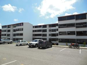 Apartamento En Venta En Los Teques, Municipio Guaicaipuro, Venezuela, VE RAH: 16-17897