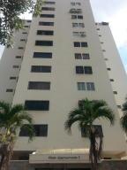 Apartamento En Venta En Valencia, Valles De Camoruco, Venezuela, VE RAH: 16-17895