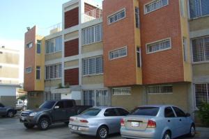 Apartamento En Venta En Margarita, Porlamar, Venezuela, VE RAH: 16-17896