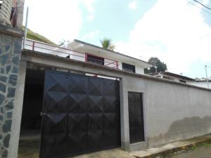 Casa En Venta En Los Teques, Municipio Guaicaipuro, Venezuela, VE RAH: 16-18435