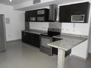 Apartamento En Alquiler En Maracaibo, Avenida Milagro Norte, Venezuela, VE RAH: 16-17913