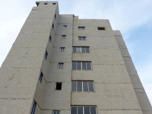 Apartamento En Venta En Maracaibo, Valle Frio, Venezuela, VE RAH: 16-17914