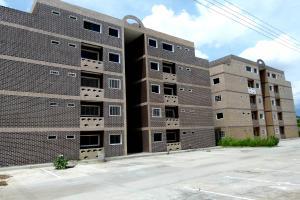 Apartamento En Venta En Maracay, La Morita, Venezuela, VE RAH: 16-17916
