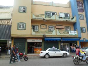 Local Comercial En Venta En San Juan De Los Morros, Los Naranjos, Venezuela, VE RAH: 16-17919
