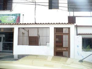 Local Comercial En Alquiler En Caracas, Municipio Baruta, Venezuela, VE RAH: 16-17923