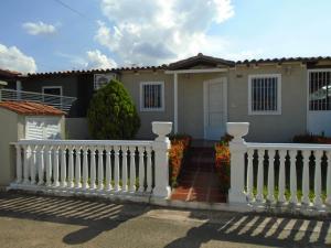 Casa En Venta En Ciudad Bolivar, Agua Salada, Venezuela, VE RAH: 16-17929