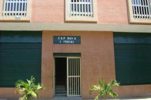 Local Comercial En Ventaen Valencia, Avenida Lara, Venezuela, VE RAH: 16-17928