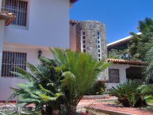 Casa En Venta En Margarita, Sabanamar, Venezuela, VE RAH: 16-17951