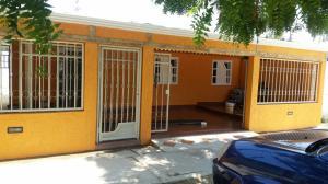 Casa En Venta En Cabimas, Los Laureles, Venezuela, VE RAH: 16-17931