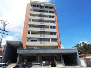 Apartamento En Venta En Valencia, Agua Blanca, Venezuela, VE RAH: 16-17938