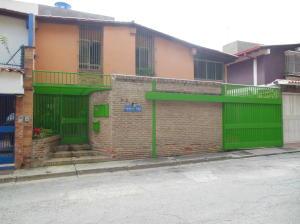 Casa En Venta En Caracas - Colinas de Santa Monica Código FLEX: 16-17941 No.1