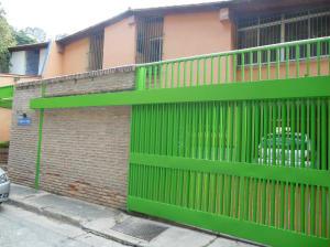 Casa En Venta En Caracas, Colinas De Santa Monica, Venezuela, VE RAH: 16-17941