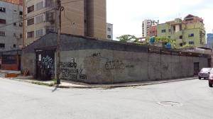 Terreno En Venta En Caracas, El Recreo, Venezuela, VE RAH: 16-18021