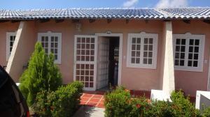 Townhouse En Venta En Rio Chico, Sector Santa Eulalia, Venezuela, VE RAH: 16-17960