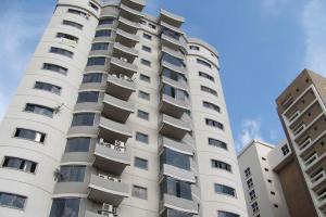 Apartamento En Venta En Maracay, Base Aragua, Venezuela, VE RAH: 16-17969
