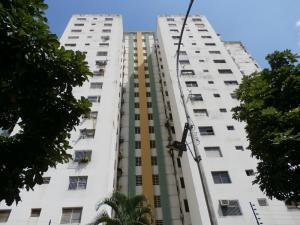 Apartamento En Venta En Valencia, La Trigaleña, Venezuela, VE RAH: 16-17984