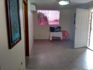 Apartamento En Venta En Municipio San Francisco, La Coromoto, Venezuela, VE RAH: 16-17975