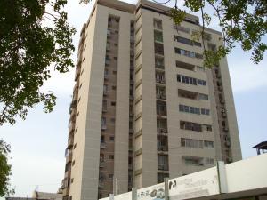 Apartamento En Venta En Maracaibo, Las Delicias, Venezuela, VE RAH: 16-17986