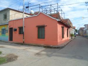 Casa En Venta En Choroni, Calle Principal, Venezuela, VE RAH: 16-18006