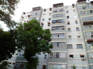 Apartamento En Venta En Guarenas, Menca De Leoni, Venezuela, VE RAH: 16-18009