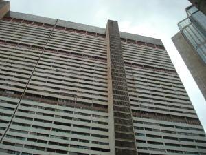 Apartamento En Venta En Caracas, Parque Central, Venezuela, VE RAH: 16-18041