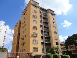 Apartamento En Venta En Caracas, El Marques, Venezuela, VE RAH: 16-18043