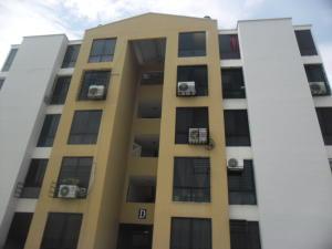 Apartamento En Venta En Municipio Los Guayos, Los Guayos, Venezuela, VE RAH: 16-18049