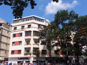 Apartamento En Venta En Caracas, Los Rosales, Venezuela, VE RAH: 16-18094