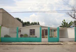 Casa En Venta En Maracay, Palma Real, Venezuela, VE RAH: 16-18092