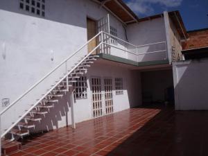 Apartamento En Venta En Ciudad Bolivar, La Sabanita, Venezuela, VE RAH: 16-18135