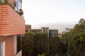 Apartamento En Venta En Caracas, Los Naranjos Del Cafetal, Venezuela, VE RAH: 16-18153