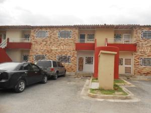 Apartamento En Venta En Intercomunal Maracay-Turmero, Zona Industrial Saman De Guere, Venezuela, VE RAH: 16-18150