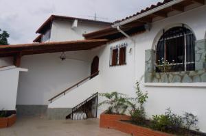 Casa En Venta En Caracas, Cumbres De Curumo, Venezuela, VE RAH: 16-18155