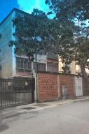 Apartamento En Venta En Caracas, San Bernardino, Venezuela, VE RAH: 16-18117
